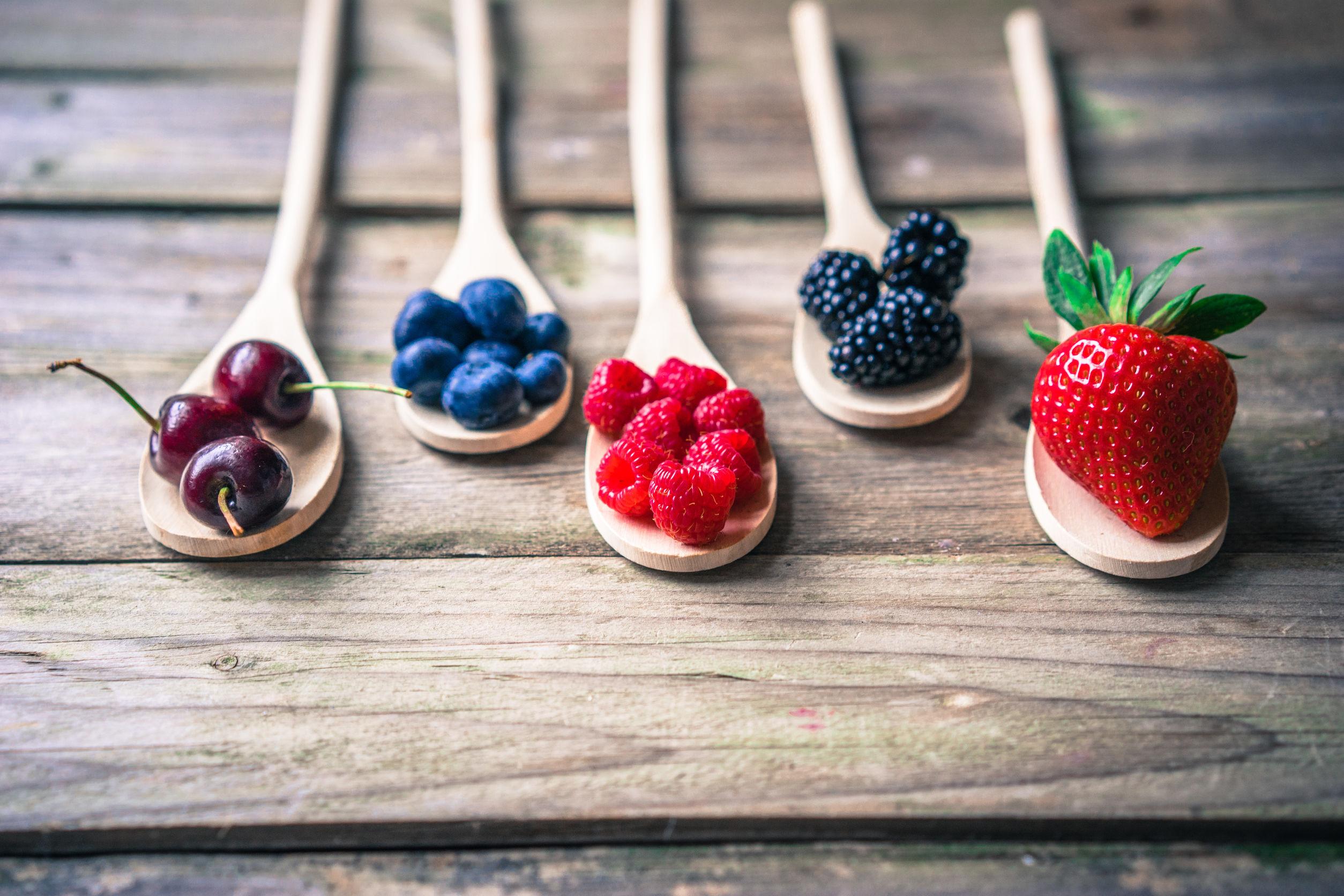 7 Vitamin dan Mineral yang Wajib Anda Konsumsi Agar Kulit Tetap Sehat
